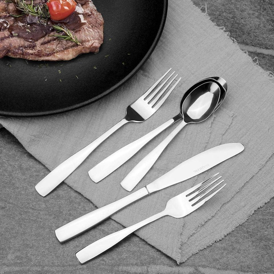 <p>Give you silverwear an upgrade with these <span>Vanys 20-Piece Silverware Set, Mirror Finish</span> ($10, originally $15).</p>