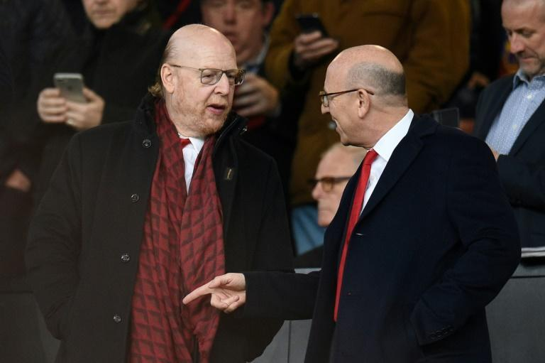 Manchester United co-chairmen Avram (L) and Joel Glazer at the Champions league quarter-final first leg in 2019