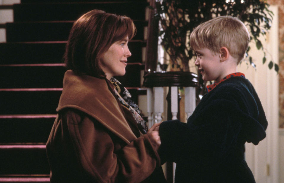 """Home Alone"" (1990) Maculay Culkin and Catherine O'Hara (Photo Credit: Don Smetzer_20th Century Fox/Shooting Star) *** Please Use Credit from Credit Field *** HANDOUT / EDITORIAL USE ONLY! Please note: Fees charged by the agency are for the agency's services only, and do not, nor are they intended to, convey to the user any ownership of Copyright or License in the material. The agency does not claim any ownership including but not limited to Copyright or License in the attached material. By publishing this material you expressly agree to indemnify and to hold the agency and its directors, shareholders and employees harmless from any loss, claims, damages, demands, expenses (including legal fees), or any causes of action or allegation against the agency arising out of or connected in any way with publication of the material."
