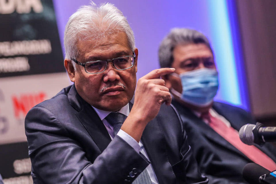 Home Minister Datuk Seri Hamzah Zainudin today said no policy decision has been made yet to allow foreign workers back into the country. ― Picture by Hari Anggara