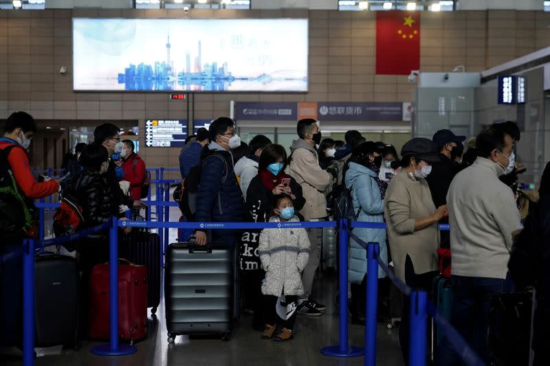 Airlines suspend, scale back direct flights to China amid virus fears