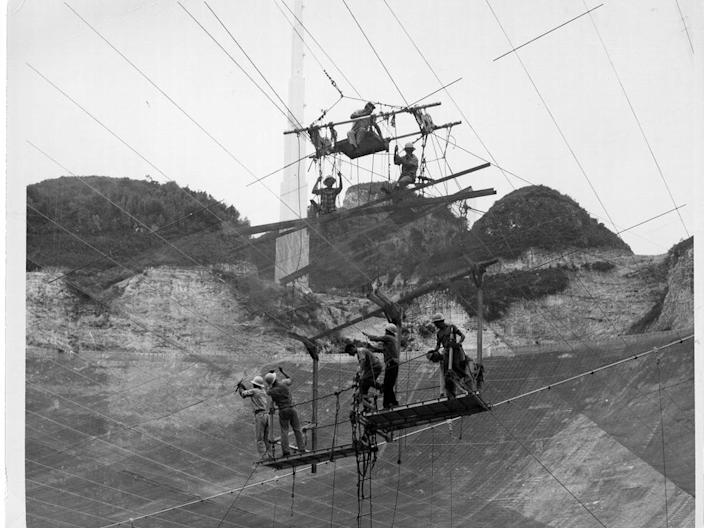 arecibo observatory construction cables
