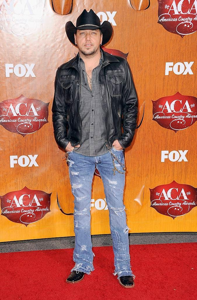 Jason Aldean arrives at the American Country Awards held at the MGM Grand Garden Arena in Las Vegas. (12/5/2011)