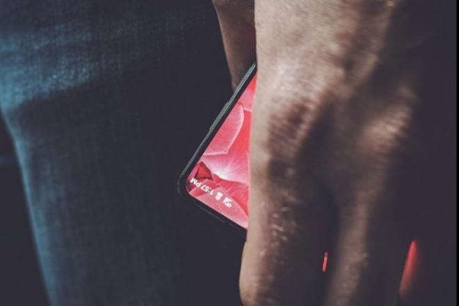 Essential Products Inc. Andy Rubin, Android, Essential mobile teaser