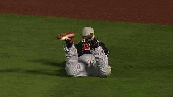 Giancarlo Stanton lays out for game-saving catch
