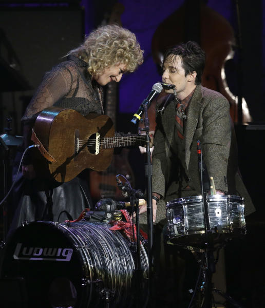 Cary Ann Hearst, left, and Michael Trent of the duo Shovels & Rope perform during the Americana Honors and Awards show on Wednesday, Sept. 18, 2013, in Nashville, Tenn. (AP Photo/Mark Humphrey)