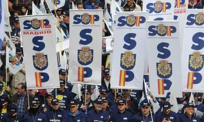Spanish Police Protest Over Austerity Cuts