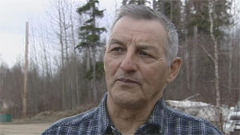Alleged arson, uttering threats part of 'craziest' election in Fort Liard, N.W.T., candidates say