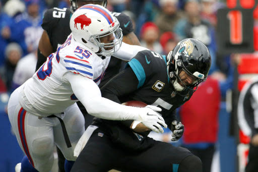 "<a class=""link rapid-noclick-resp"" href=""/nfl/players/24006/"" data-ylk=""slk:Jerry Hughes"">Jerry Hughes</a> and co. could have some fun against <a class=""link rapid-noclick-resp"" href=""/nfl/players/30973/"" data-ylk=""slk:Sam Darnold"">Sam Darnold</a> in Week 14. (AP Photo/Jeffrey T. Barnes)"