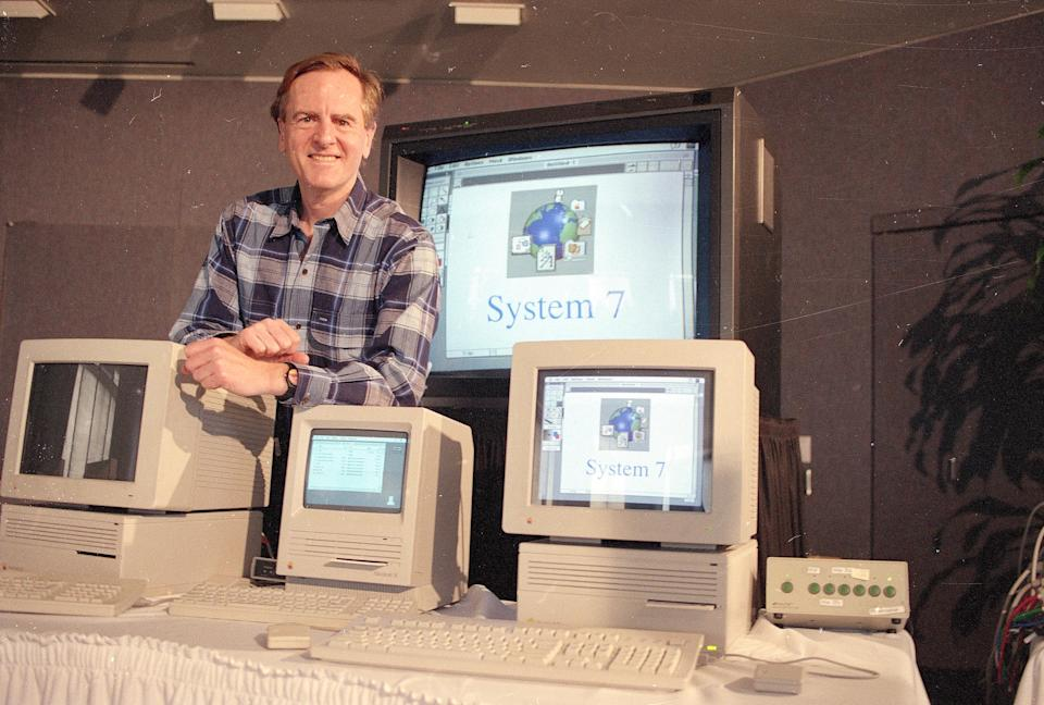 Former Apple CEO John Sculley says Apple is no longer a tech innovator, but more of a luxury products company. He spoke with Yahoo Finance's Alexis Christoforous.