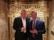 Nigel Farage of the UK Independence Party (right) meets US President-elect Donald Trump in New York