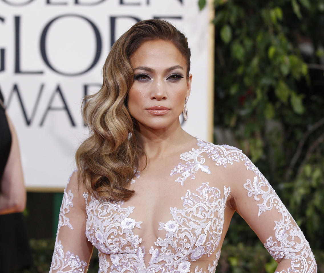 Singer Jennifer Lopez arrives at the 70th annual Golden Globe Awards in Beverly Hills, California, January 13, 2013.  REUTERS/Mario Anzuoni (UNITED STATES  - Tags: ENTERTAINMENT) (GOLDENGLOBES-ARRIVALS)