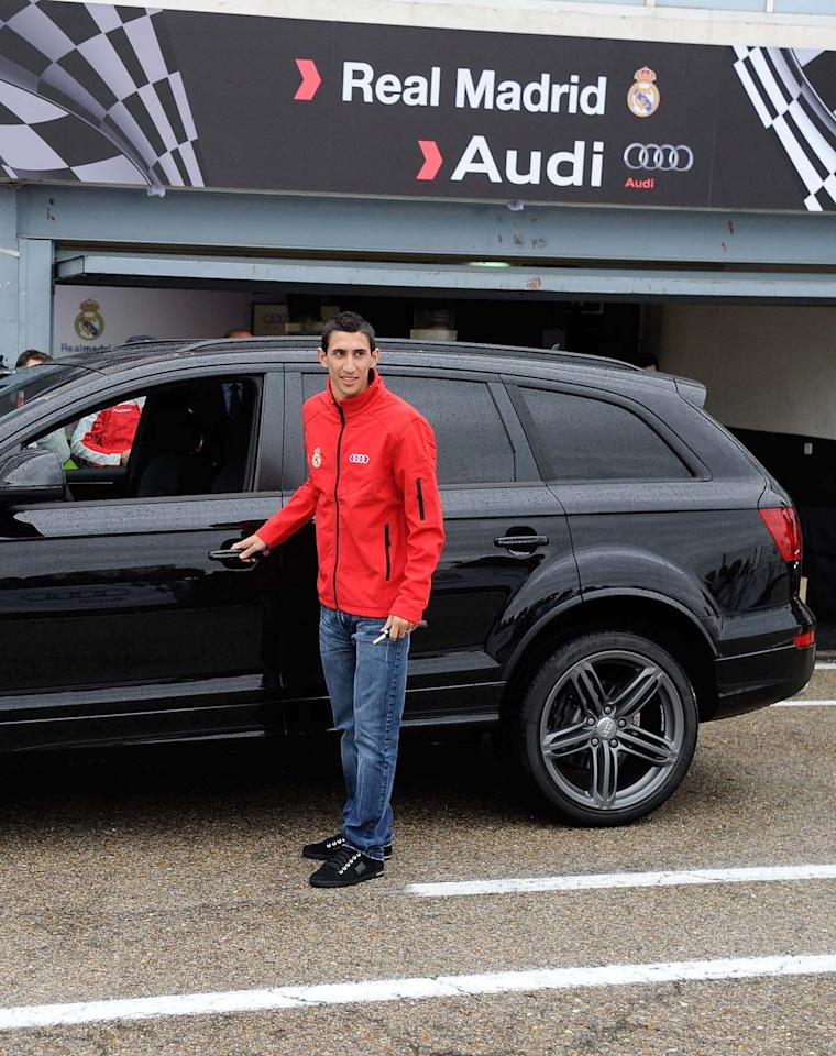 MADRID, SPAIN - NOVEMBER 08:  Real Madrid player Angel Di Maria receives a new Audi at the Jarama recetrack on November 8, 2012 in Madrid, Spain.  (Photo by Fotonoticias/WireImage)