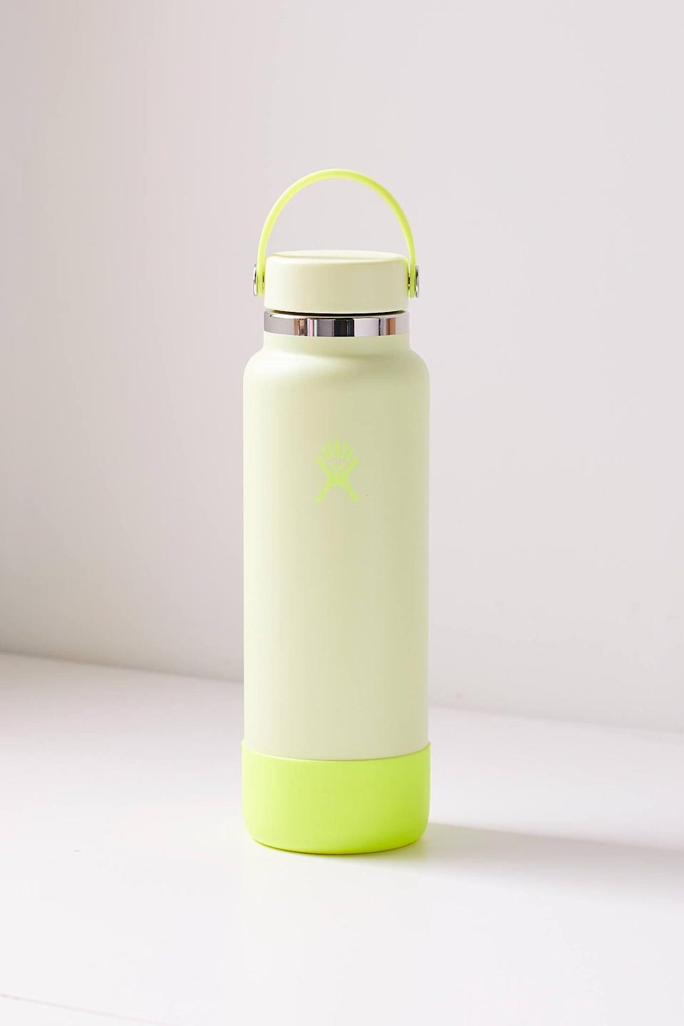 """<p><strong>Hydro Flask</strong></p><p>urbanoutfitters.com</p><p><strong>$50.00</strong></p><p><a href=""""https://go.redirectingat.com?id=74968X1596630&url=https%3A%2F%2Fwww.urbanoutfitters.com%2Fshop%2Fhydro-flask-prism-wide-mouth-40-oz-water-bottle&sref=https%3A%2F%2Fwww.delish.com%2Fholiday-recipes%2Fvalentines-day%2Fg4526%2Fgifts-for-girlfriend%2F"""" rel=""""nofollow noopener"""" target=""""_blank"""" data-ylk=""""slk:BUY NOW"""" class=""""link rapid-noclick-resp"""">BUY NOW</a></p><p>If you're always reminding her to stay hydrated, this gift is a no-brainer. </p>"""