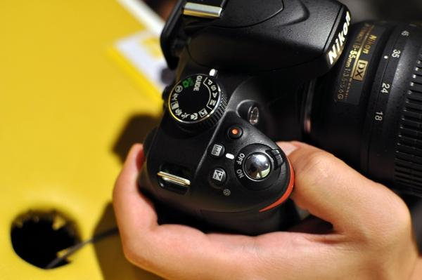 Hands-on: New entry-level Nikon D3200 packs 24-megapixel sensor