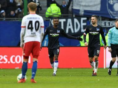Salomon Kalou broke Hamburg hearts as he came off the bench to secure a 2-1 victory for Hertha Berlin on Saturday, while a Robin Knoche own goal saw Schalke steal a 1-0 victory in Wolfsburg.