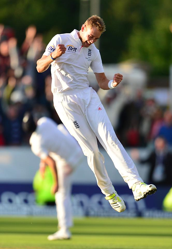 England's Stuart Broad celebrates victory over Australia during day four of the Fourth Investec Ashes test match at the Emirates Durham ICG, Durham.