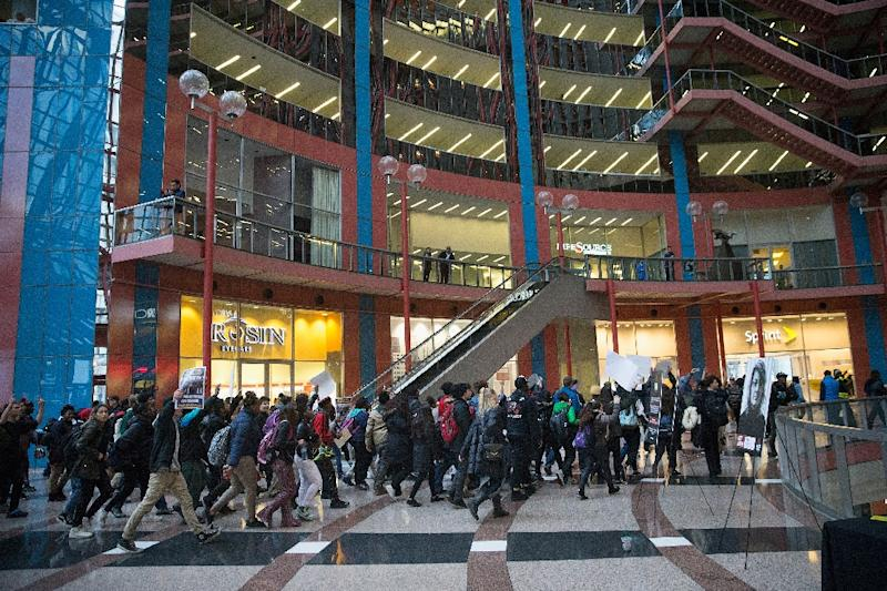 This December 9, 2015 file photo shows the interior of the Thompson Center, where a Chicago police commander was killed by a man who had been acting suspiciously