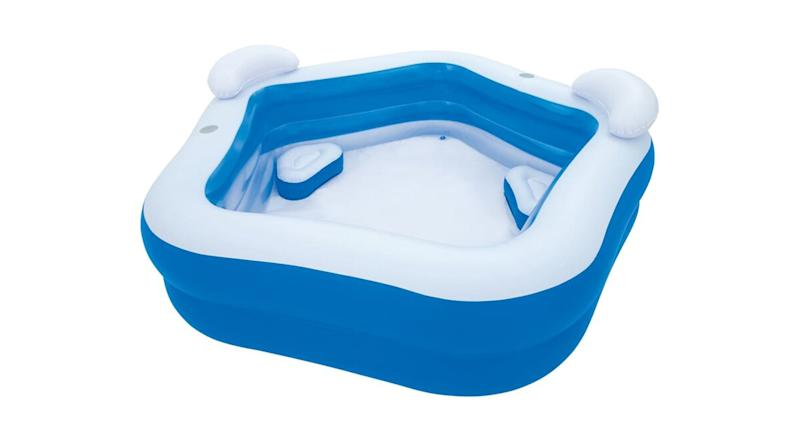 Michaela 3-Person Inflatable Spa