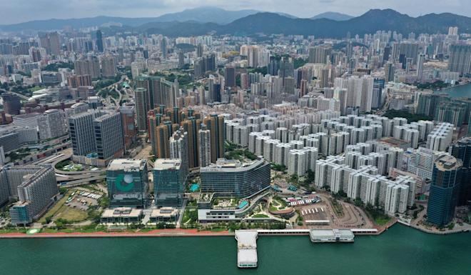 Flats across Hong Kong are lying empty and rents are dropping as a result. Photo: Roy Issa