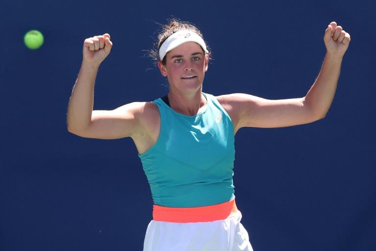 America's Brady reaches first Grand Slam quarter-final
