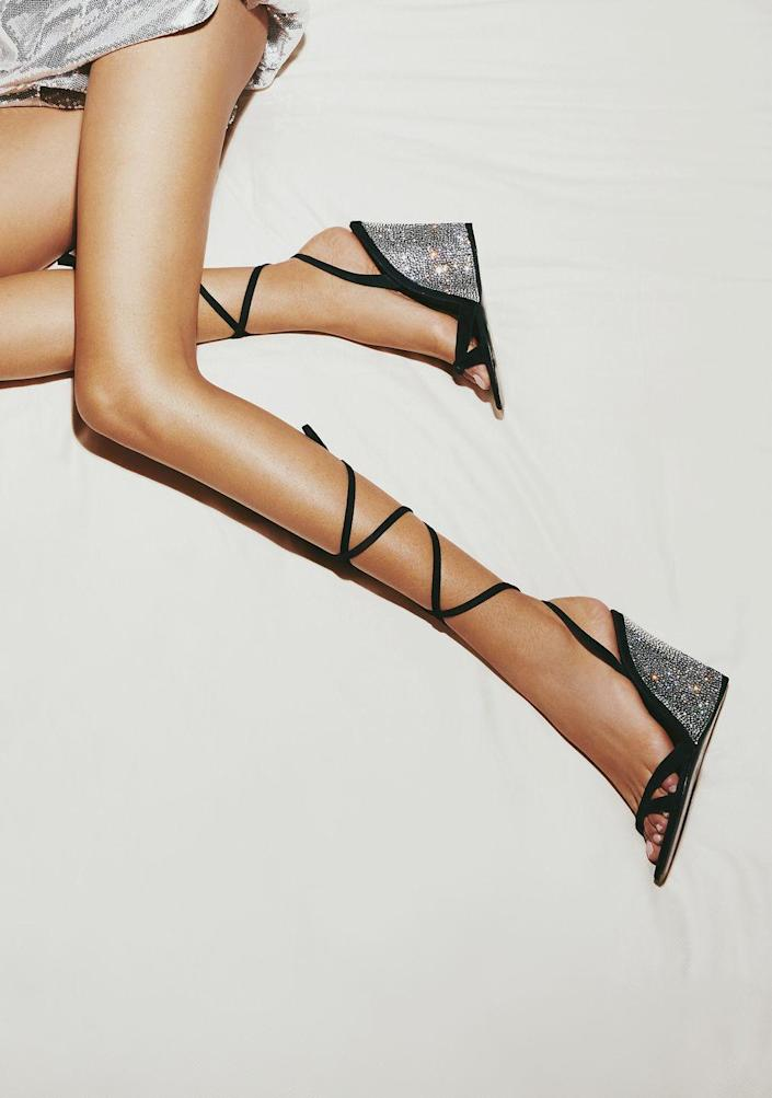 <p>Wrap them as far up as you can go for an even more dramatic look. </p><p><em>Christian Cowan</em></p>