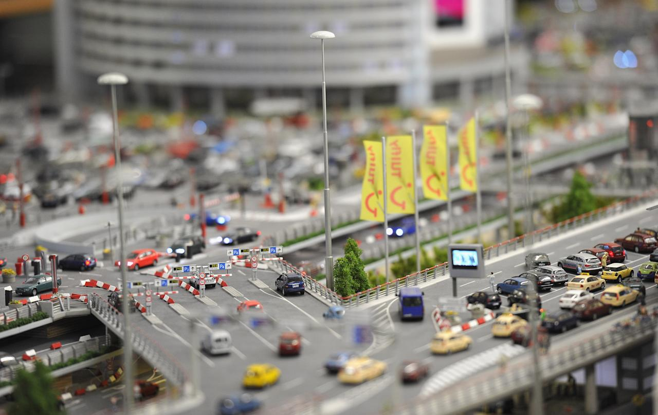 World's largest miniature airport