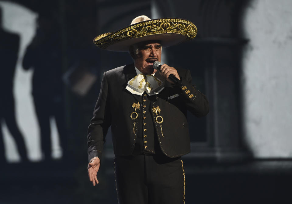 Vicente Fernández. (AP Photo/Chris Pizzello)