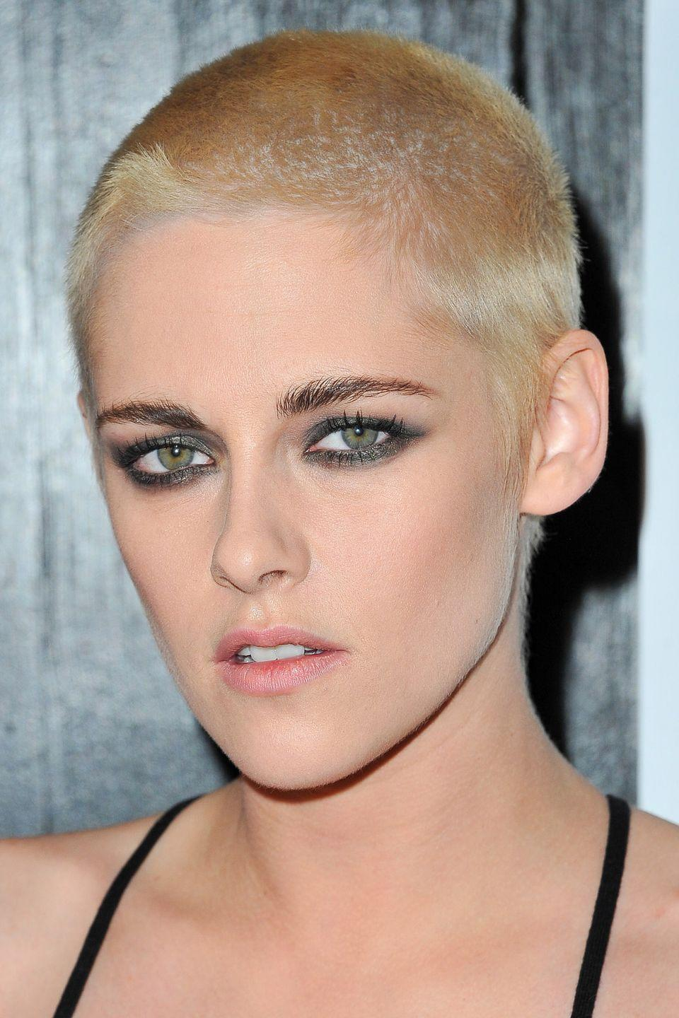 <p>As soon as Kristen Stewart's post-buzzcut hair started to grow in, she immediately reached for the bleach.</p>