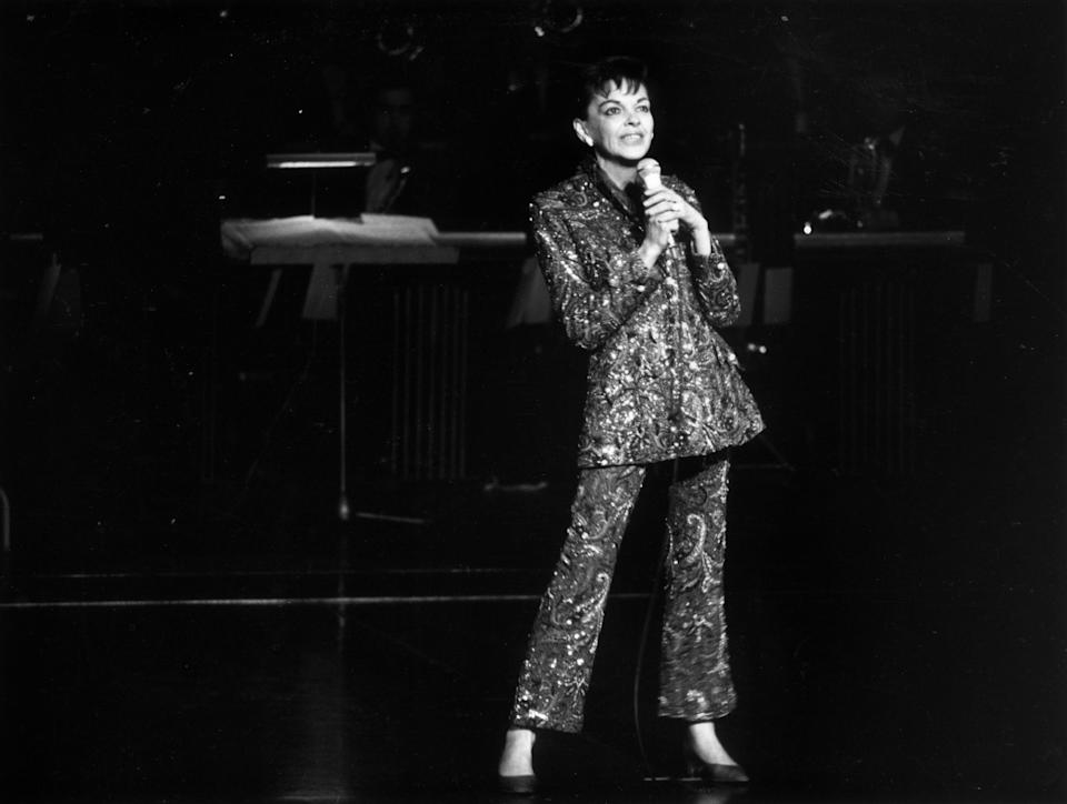 31st December 1968:  Film star and singer Judy Garland (1922 - 1969) performing on stage.  (Photo by Larry Ellis/Express/Getty Images)