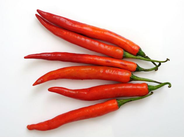 <b>Chillies</b>: Chillies are another great ingredient to ramp up your metabolic rate and burn that excess fat. The component capsaicin generates heat and boosts metabolism, helping burn calories for upto 20 minutes after your meal. So slice 'em up and toss 'em in!