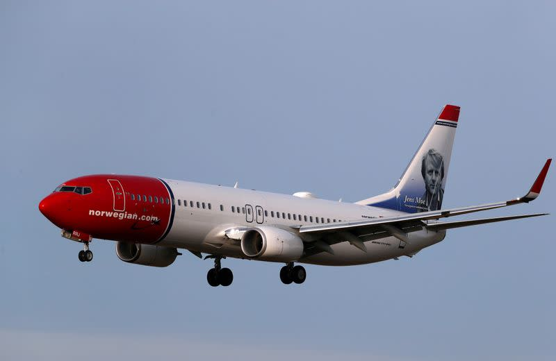 FILE PHOTO: Norwegian Air Sweden Boeing 737-800 plane SE-RRJ approaches Riga International Airport in Riga