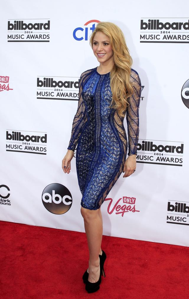 Singer Shakira arrives at the 2014 Billboard Music Awards in Las Vegas, Nevada May 18, 2014. REUTERS/L.E. Baskow (UNITED STATES - Tags: ENTERTAINMENT) (BILLBOARDAWARDS-ARRIVALS)