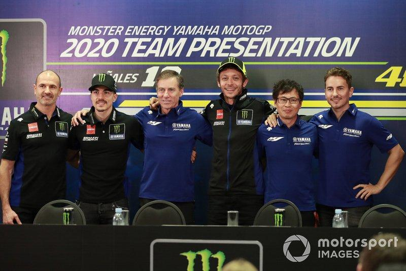 "Maverick Vinales, Yamaha Factory Racing, Lin Jarvis,Valentino Rossi, Yamaha Factory Racing, Jorge Lorenzo, Yamaha Factory Racing<span class=""copyright"">Gold and Goose / Motorsport Images</span>"