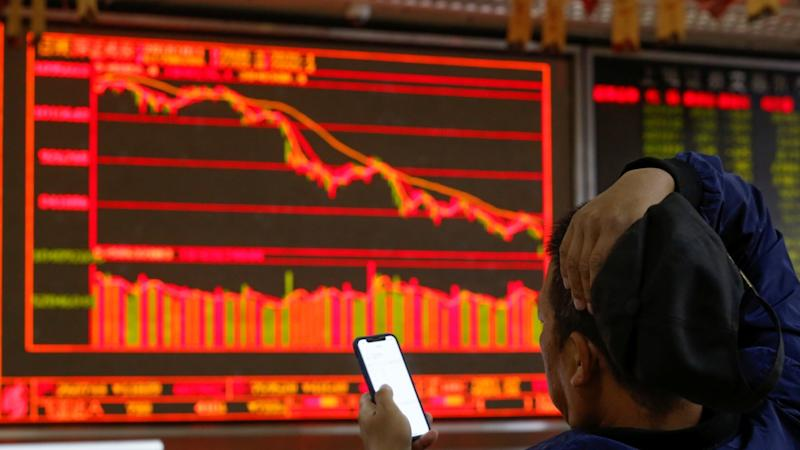 100bc4922bc19 China stocks fall to two-week low as corporate earnings worsen amid  economic slowdown