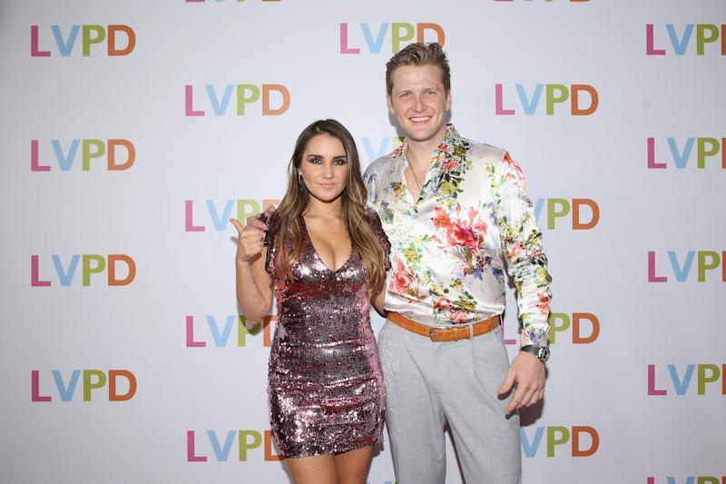 Dulce Maria y Alexander Acha. Foto: Victor Chavez/Getty Images