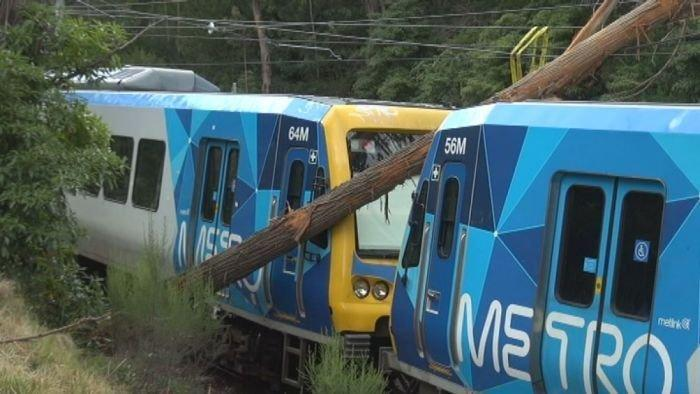 Strong winds cause train delays