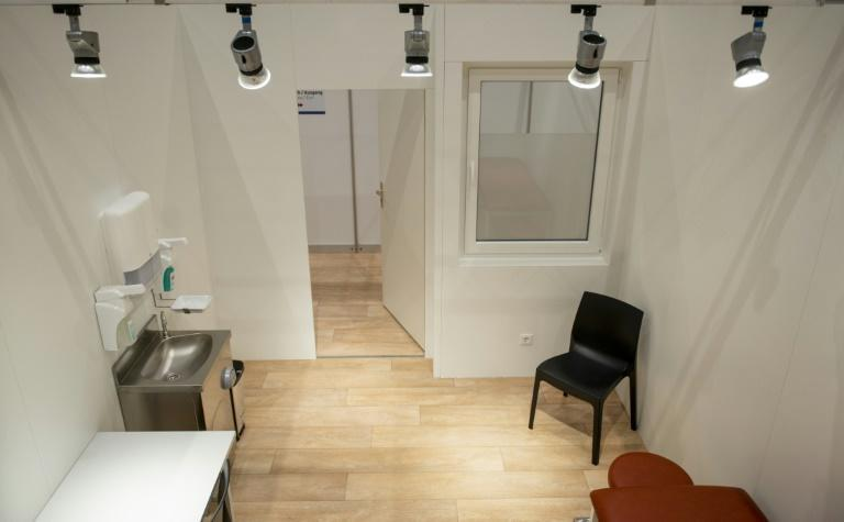 Cubicles at Hamburg's vaccination centre are laid out to look like a doctor's office