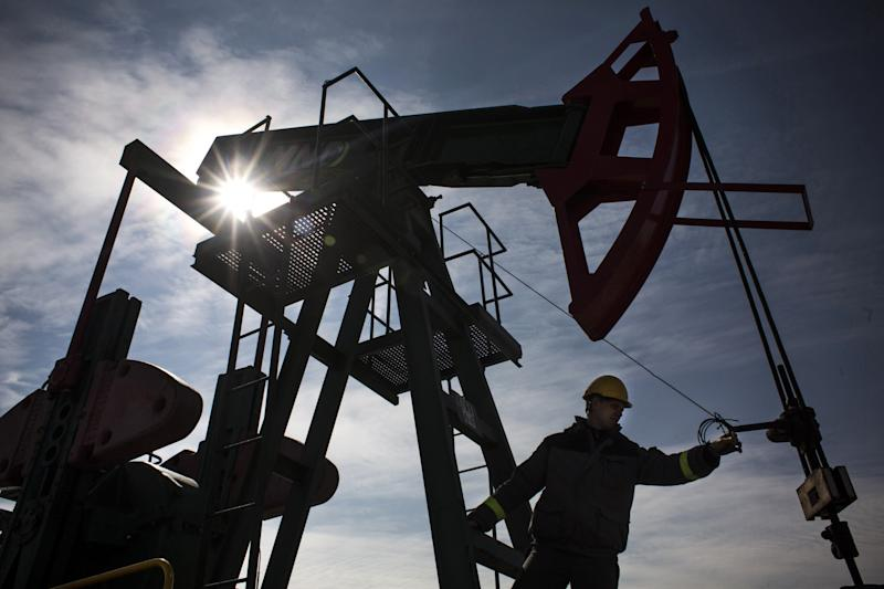 Oil Drops Below $54 as Global Recession, Supply Concerns Mount