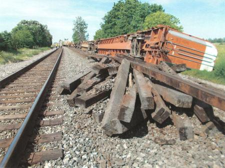 A long CSX train came off the tracks in Crestline, Ohio on June 11 as seen in this handout photo received December 6, 2017.   SMART Transportation Union/Handout via REUTERS