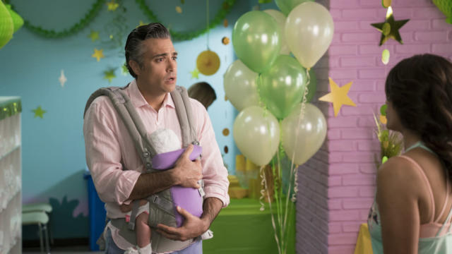 Jaime Camil as Rogelio in next week's episode (Photo: Michael Desmond/The CW)