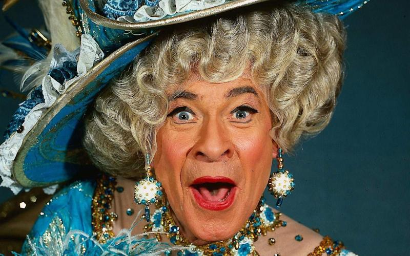 Stanley Baxter in full glam pantomime dame mode - Alamy