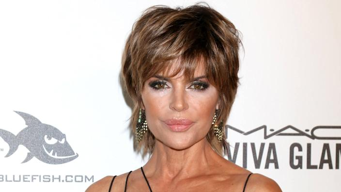 LOS ANGELES - MAR 4: Lisa Rinna at the 2018 Elton John AIDS Foundation Oscar Viewing Party at the West Hollywood Park on March 4, 2018 in West Hollywood, CA.