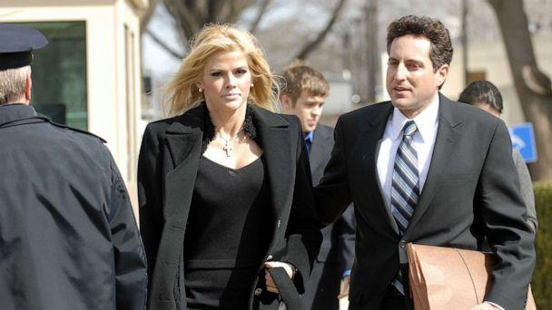 PHOTO: Former Playboy Playmate Anna Nicole Smith and her attorney Howard Stern leave the Supreme Court in Washington, D.C., Feb. 28, 2006. (Scott Suchman/WireImage/Getty Images, FILE)