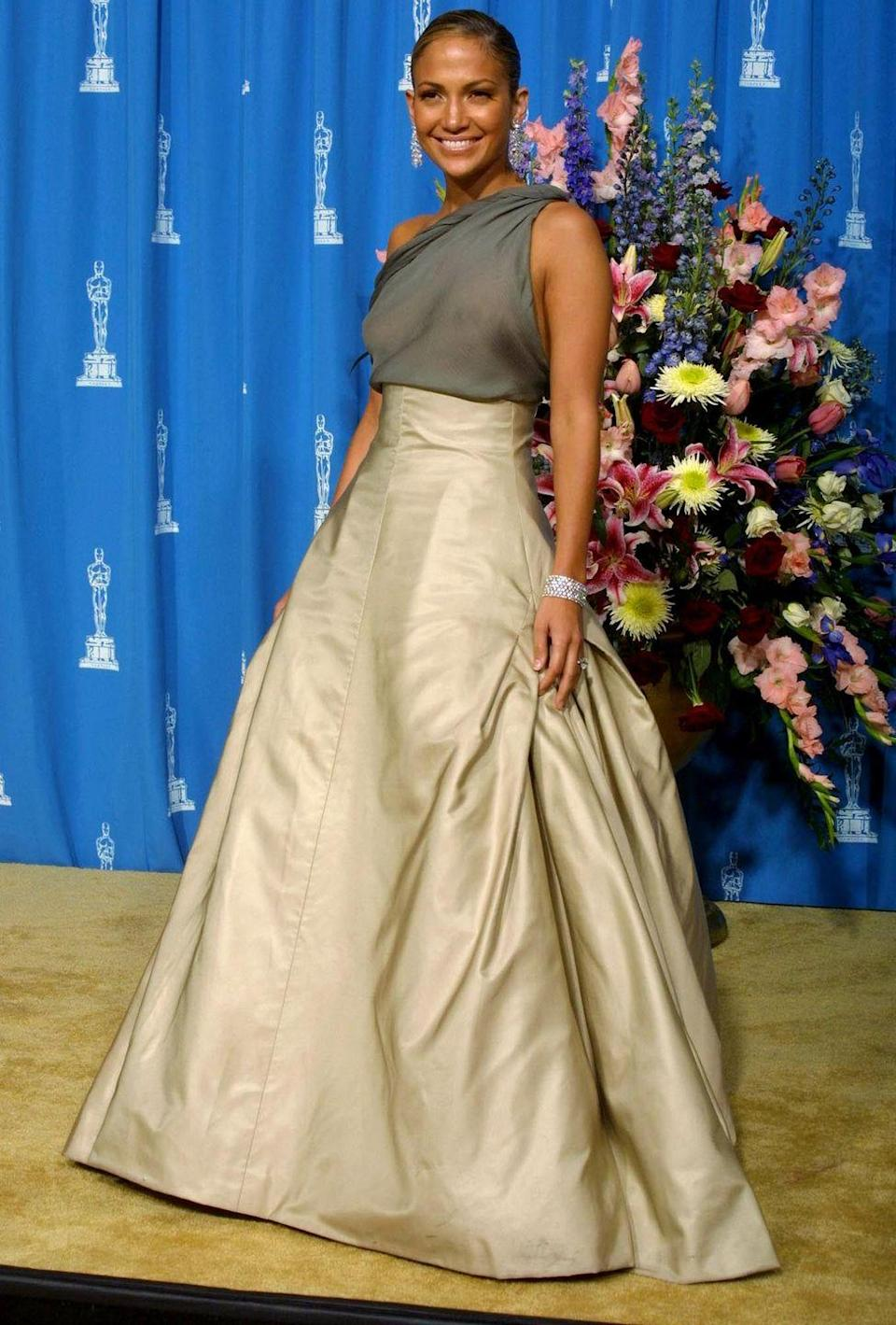 <p><strong>When: </strong>March 2001</p><p><strong>Where: </strong>The Academy Awards</p><p><strong>Wearing: </strong>Chanel</p>