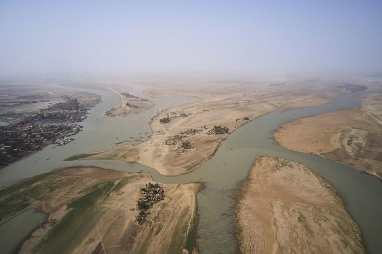 "The Sahara has been ""engulfing"" the Niger River for years, experts say"