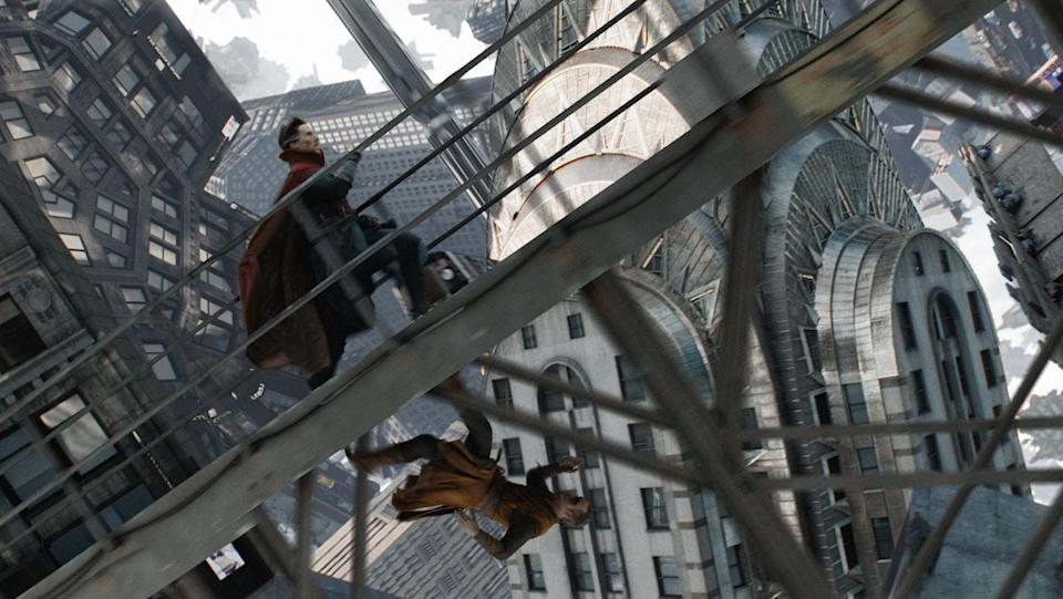 Doctor Strange and Kaecilius run in mirror dimension, a part of the MCU's multiverse, inside a city from doctor strange