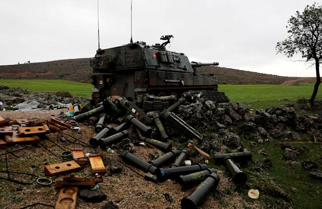<p>Empty shells are seen next to a Turkish army howitzer on the Turkish-Syrian border in Hatay province, Turkey Jan. 23, 2018. (Photo: Umit Bektas/Reuters) </p>