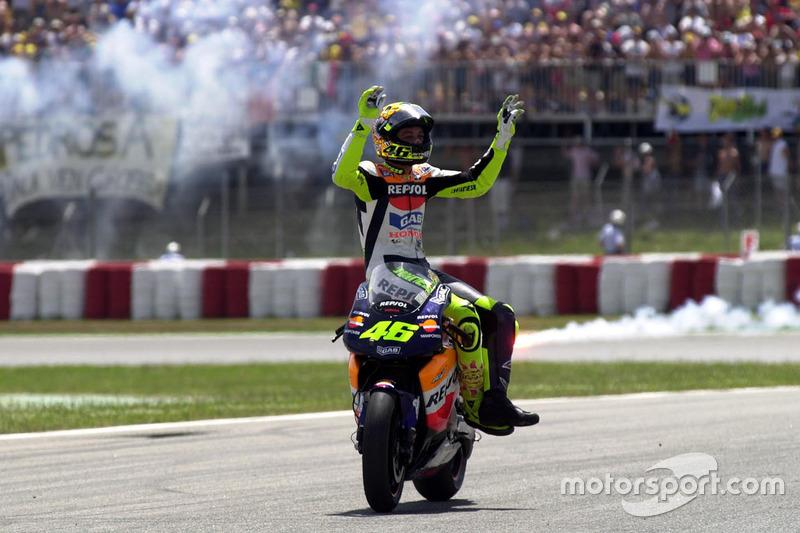 "2002 - Valentino Rossi<span class=""copyright"">Gold and Goose / Motorsport Images</span>"