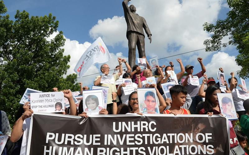 Relatives of drugs war victims call for a UN investigation - AFP